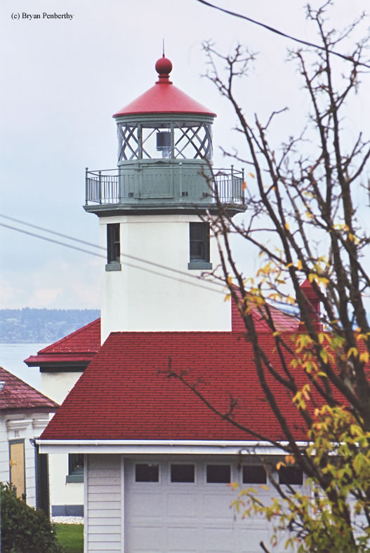 Photo of the Alki Point Lighthouse.