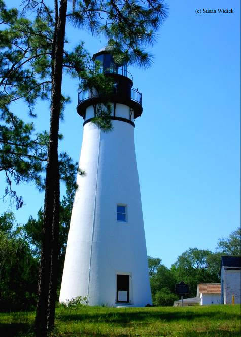 Photo of the Amelia Island Lighthouse.