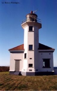 Frontal view of the lighthouse.