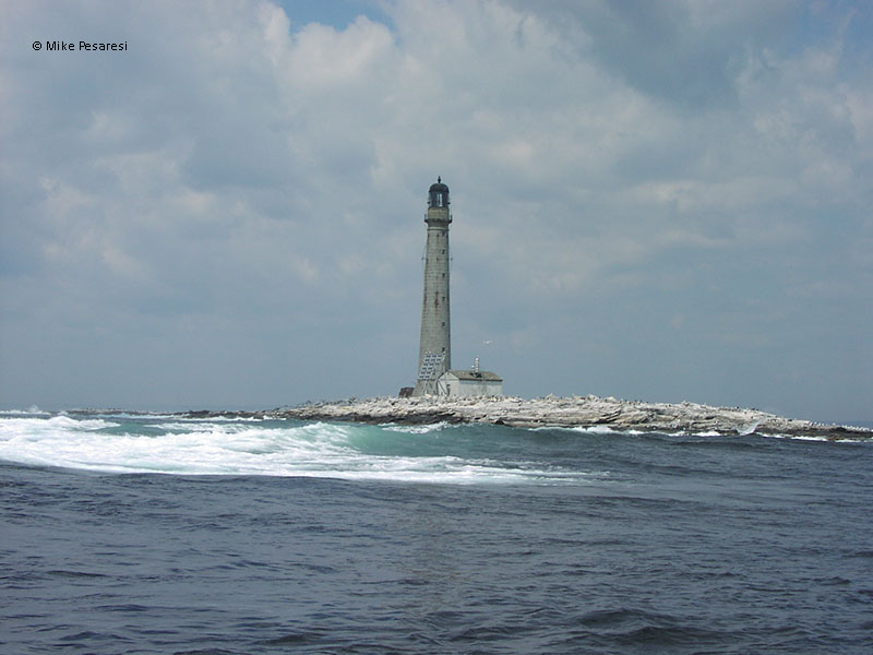 Photo of the Boon Island Lighthouse.