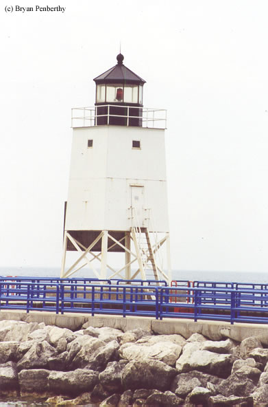 Photo of the Charlevoix South Pierhead Lighthouse.