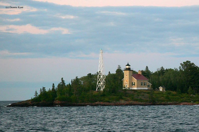 Photo of the Copper Harbor Lighthouse.