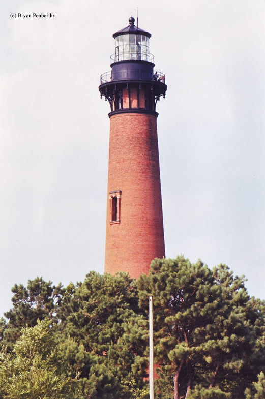 Photo of the Currituck Beach Lighthouse.