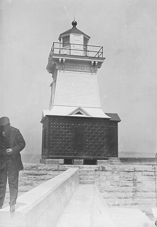 U.S. Coast Guard Archive Photo of the 1895 Dunkirk Pierhead Lighthouse