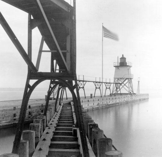 Algoma North Pierhead Lighthouse