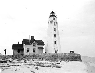 U.S. Coast Guard Archive Photo of the Old Saybrook (Lynde Point) Lighthouse
