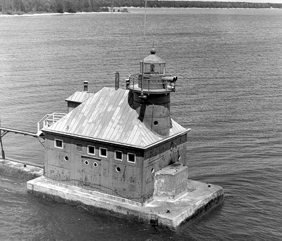 U.S. Coast Guard Archive Photo of the Sturgeon Bay North Pierhead Lighthouse