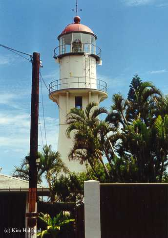 Photo of the Diamond Head Lighthouse.