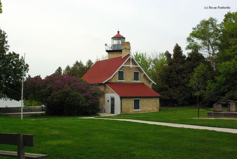 Photo of the Eagle Bluff Lighthouse.