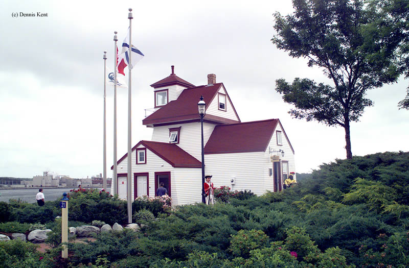 Photo of the Fort Point Lighthouse.