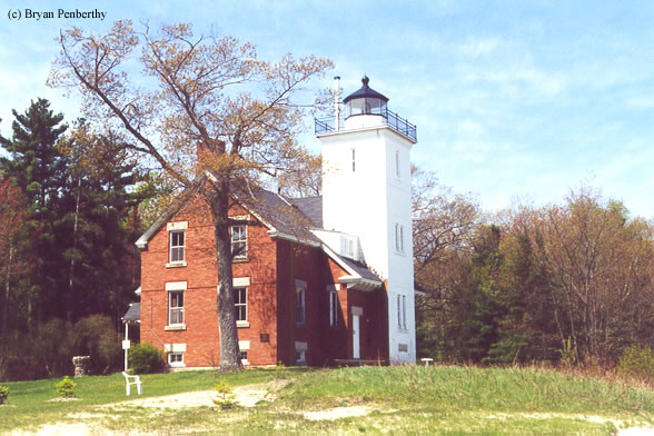 Photo of the Forty Mile Point Lighthouse.