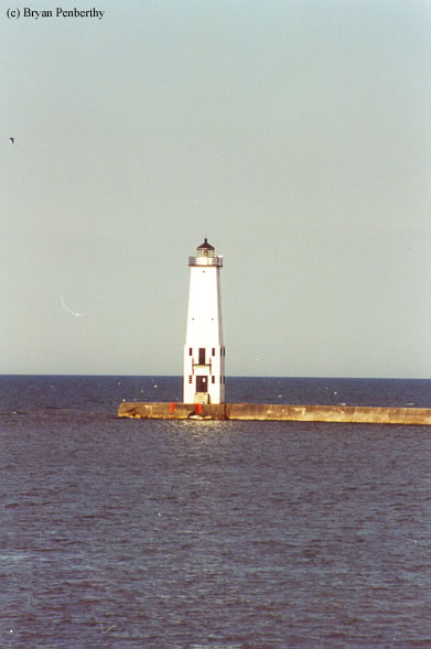 Photo of the Frankfort North Breakwater Lighthouse.