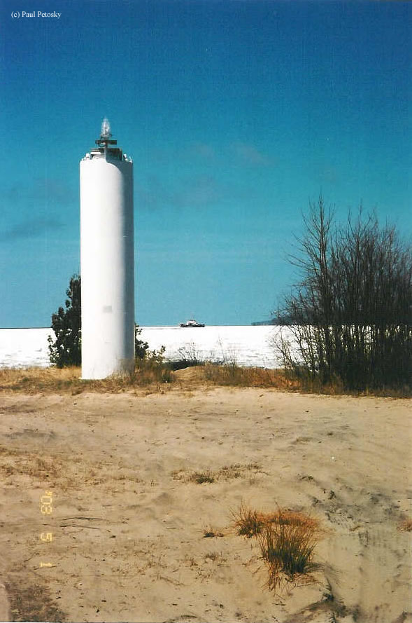 Photo of the Grand Island Front Range Lighthouse.
