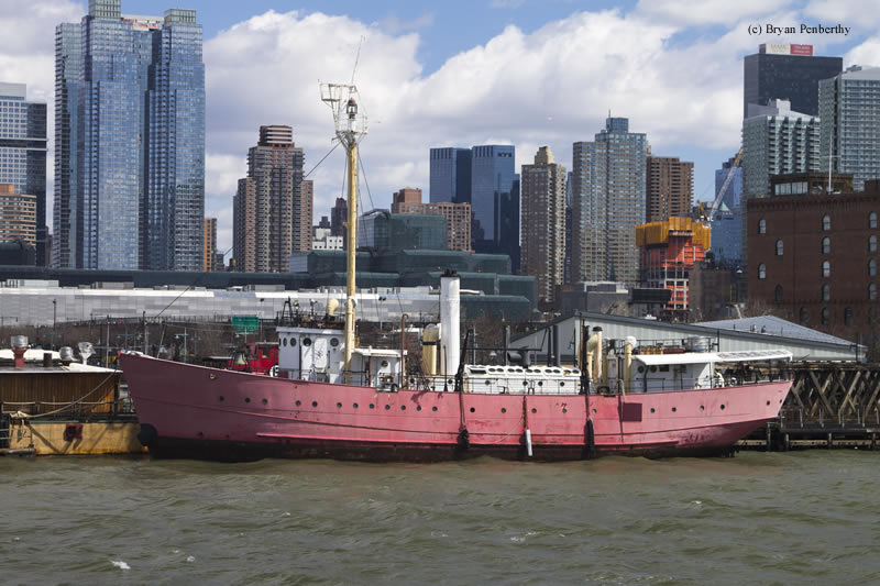 Photo of the Frying Pan Lightship.