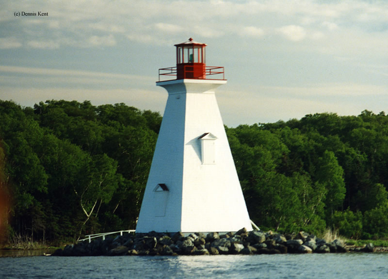 Photo of the Kidston Island Lighthouse.