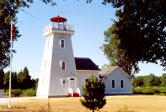 Photo of the Old Cut Lighthouse.