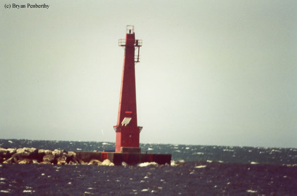 Photo of the Muskegon South Breakwater Lighthouse.