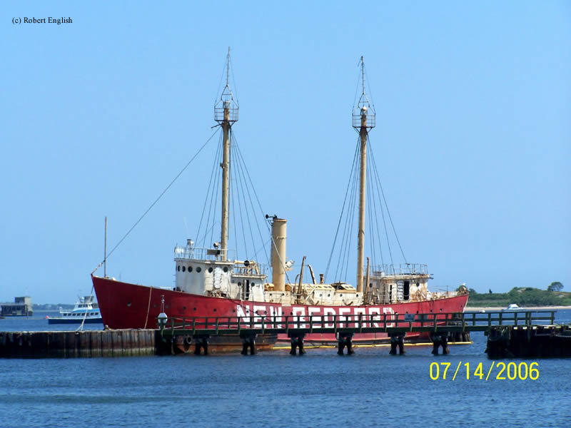 Photo of the New Bedford Lightship (LV-114/WAL-536).