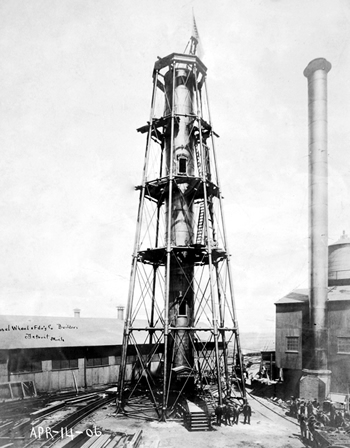 Hillsboro Lighthouse under construction in Detroit foundry (courtesy National Archives)