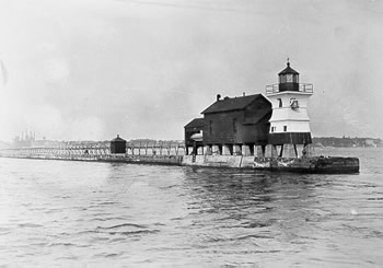 Photo of the Genesee West Pierhead Lighthouse