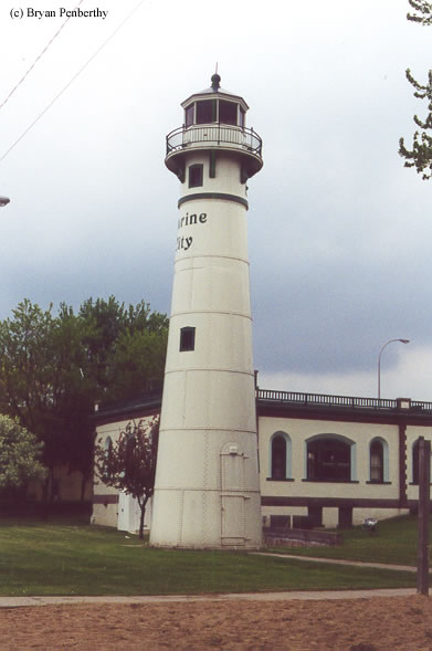 Photo of the Peche Island Lighthouse.