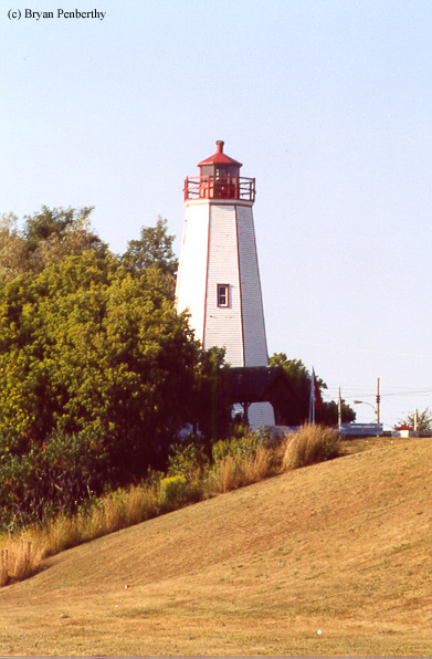 Photo of the Port Burwell Lighthouse.