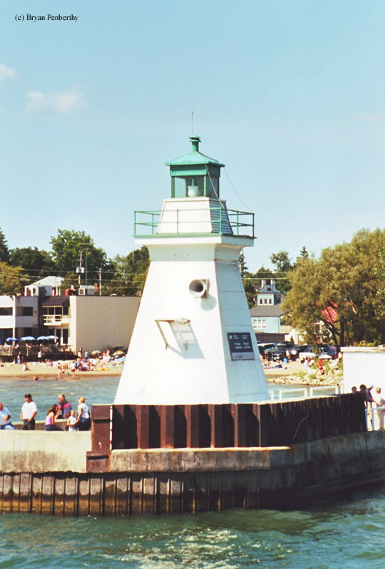 Photo of the Port Dover Lighthouse.
