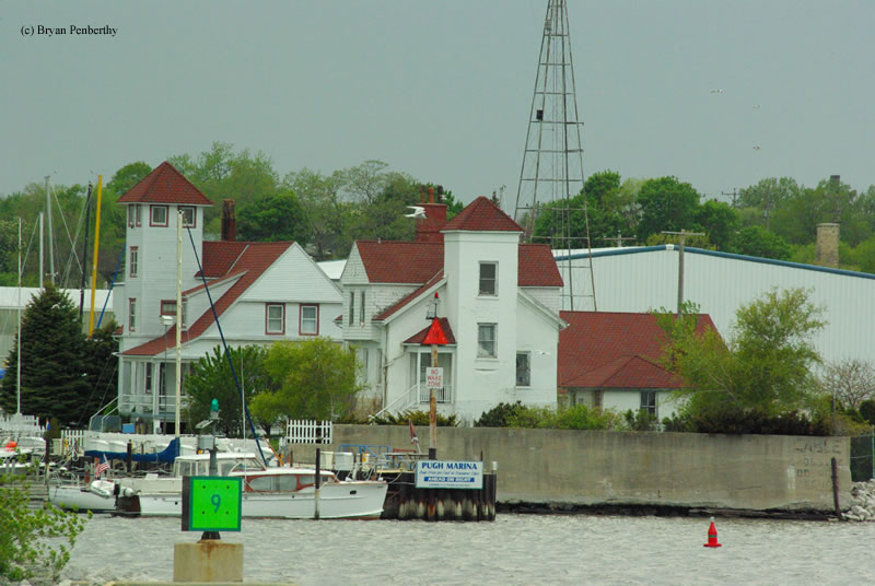 Photo of the Racine Harbor Lighthouse.