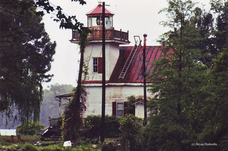 Photo of the Roanoke River Lighthouse.