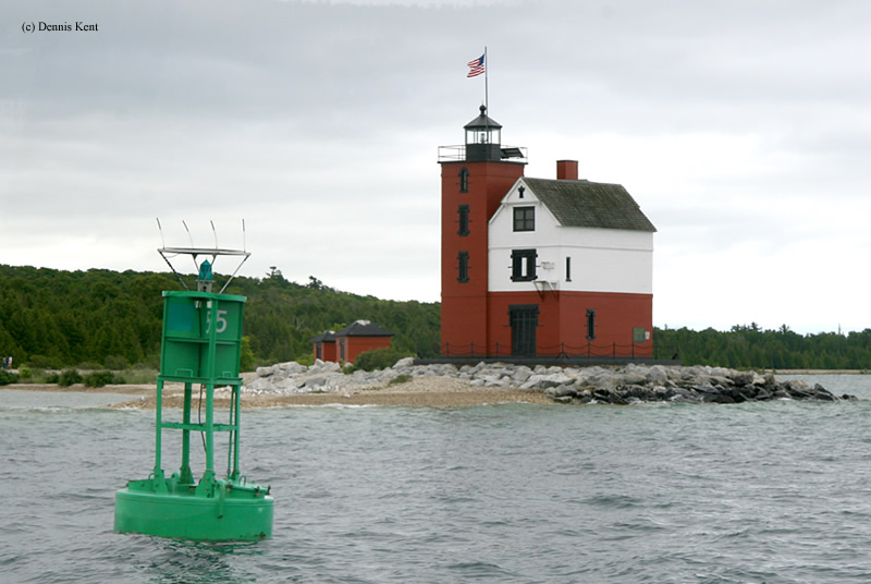 Photo of the Round Island Lighthouse.