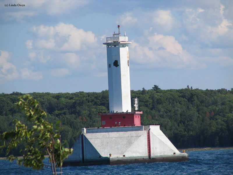 Photo of the Round Island Passage Lighthouse.