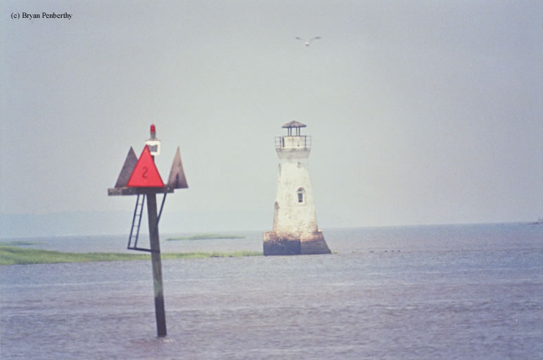 Photo of the Cockspur Island Lighthouse.