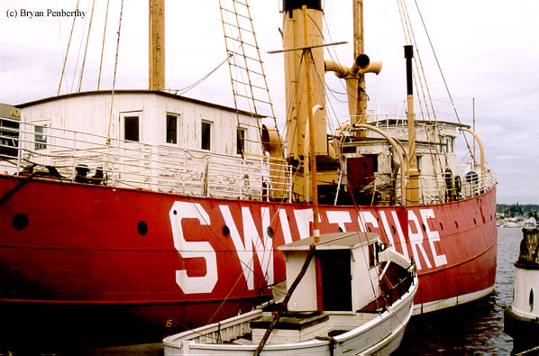 Photo of the Swiftsure Lightship (LV-83/WAL-513).